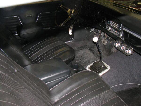 A 1964-1987 Chevelle HumpHugger Console in a 1969 Chevelle